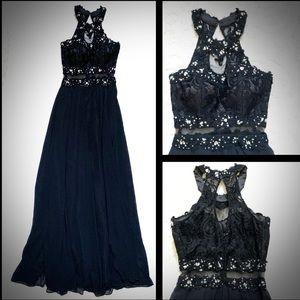 Elegant Sparkly Halter Black gown dress w scarf